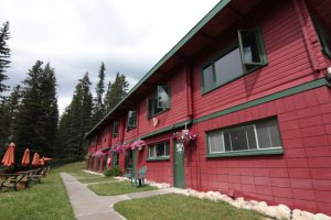 Miette Hot Springs Bungalows exterior